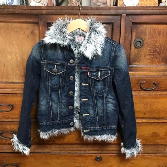 Levi's Redloop faux fur trimmed denim jack…